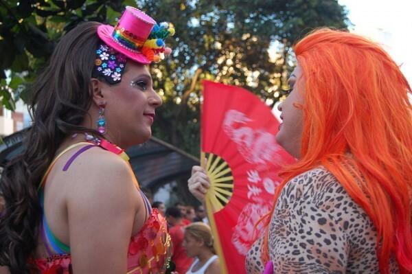 EUA falam sobre preconceito contra comunidade gay no Brasil