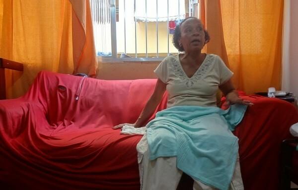 Uma semana depois de Felipe desaparecer, a mãe recebeu as roupas e os documentos do jovem (Foto: Giuliander Carpes)