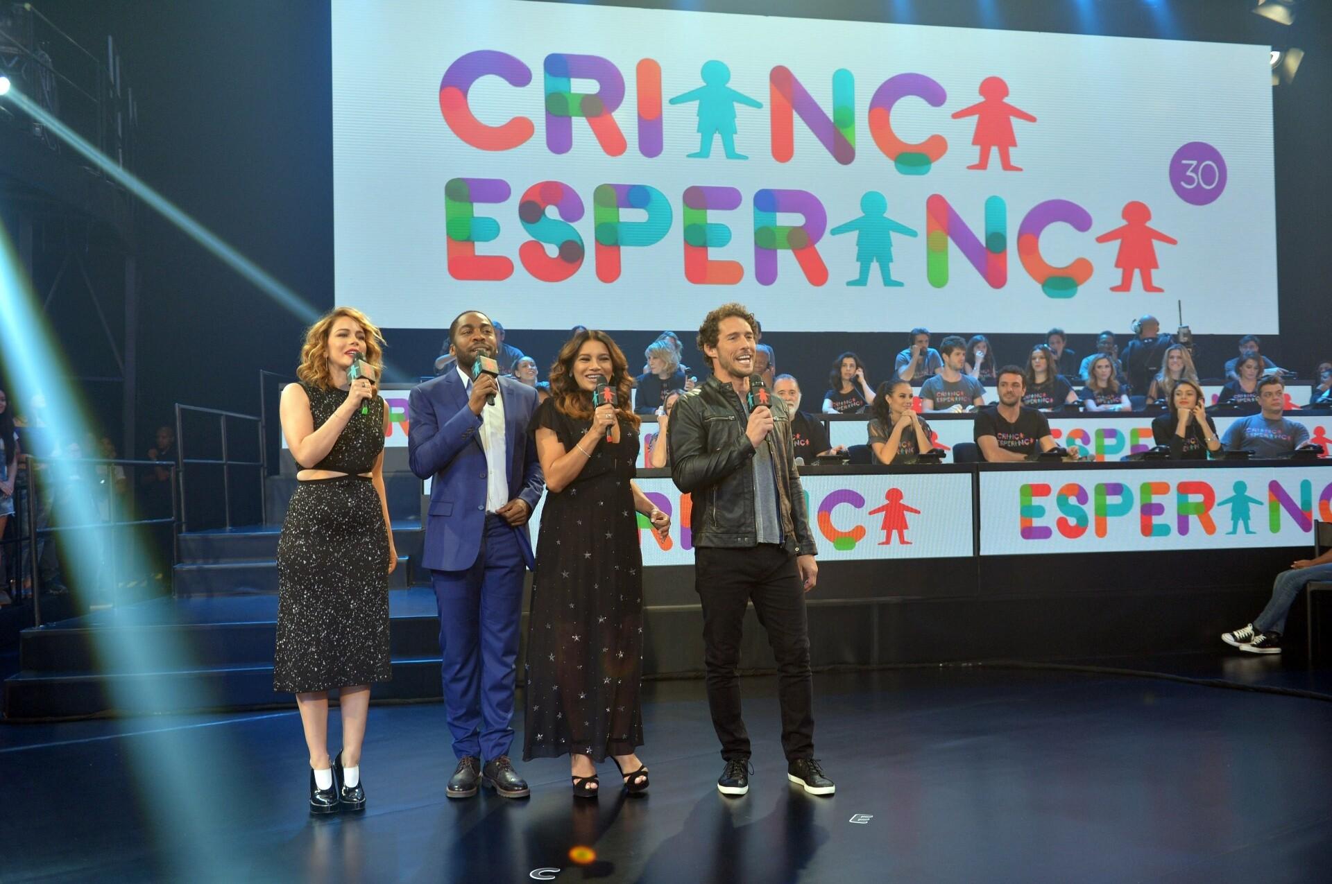 Leandra Leal, Lázaro Ramos, Dira Paes e Flávio Canto no Criança Esperança 2015